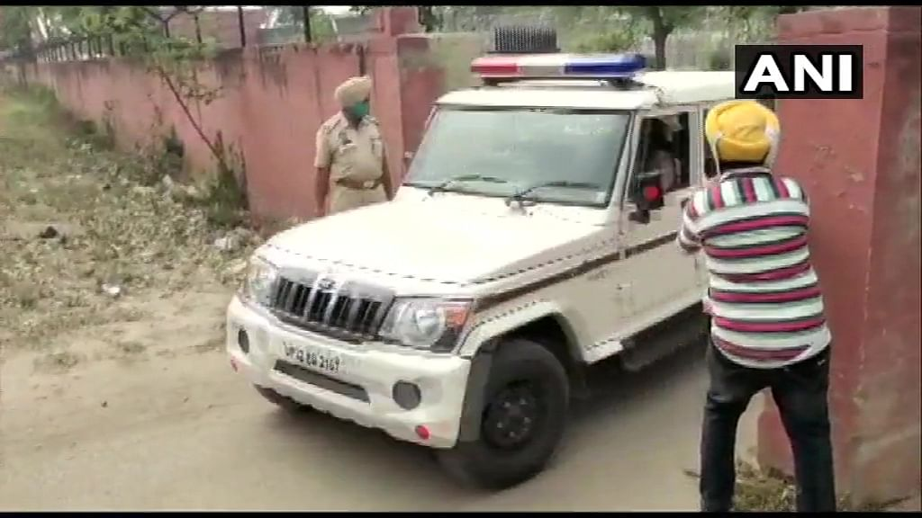 बाहुबली नेता मुख्तार अंसारी कल सुबह पहुंचेंगे बांदा जेल, पत्नी ने जतायी एनकाउंटर की आशंका
