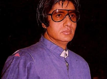 Bollywood & TV LIVE Updates : अमिताभ बच्चन ने शेयर की ये थ्रोबैक फोटो, अर्जुन रामपाल हुए कोरोना पॉजिटिव