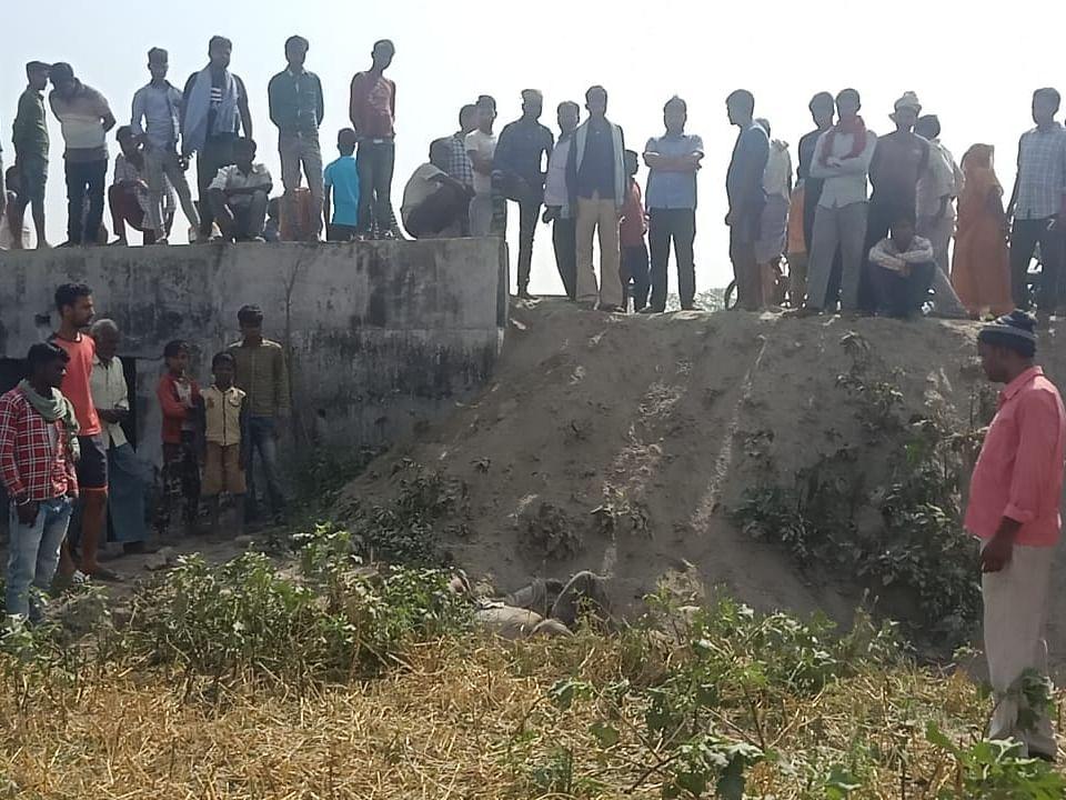 बिहार के सुपौल जिले में खेत से तीन लावारिस शव मिलने से सनसनी, जांच में जुटी पुलिस