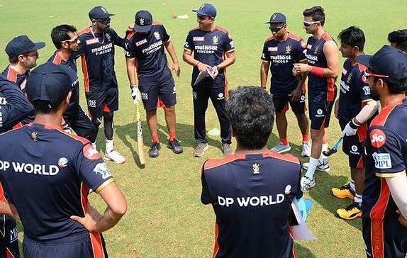 IPL 2021: इस प्लेइंग इलेवन के साथ उतर सकती है विराट कोहली की रॉयल चैलेंजर्स बेंगलोर