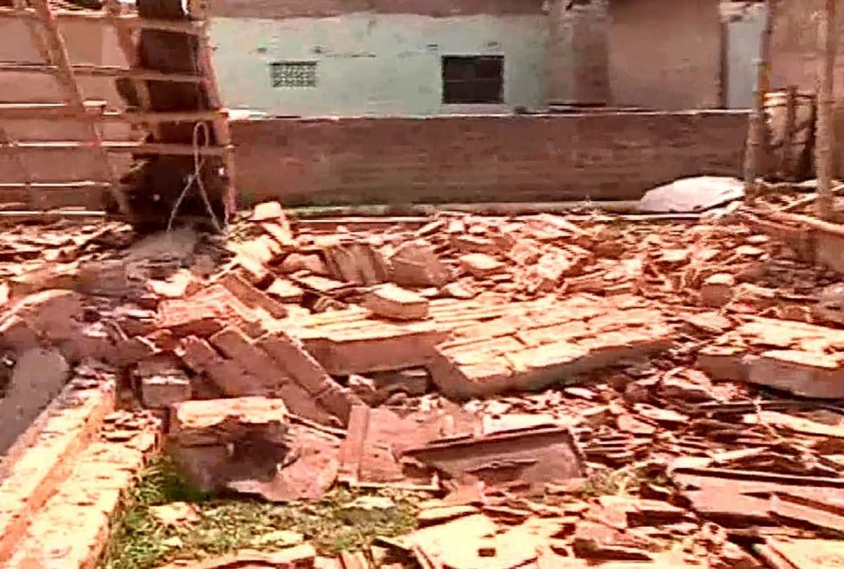 उत्तर 24 परगना के टीटागढ़ में बम विस्फोट में क्लब ध्वस्त, एक की मौत, कई बम बरामद