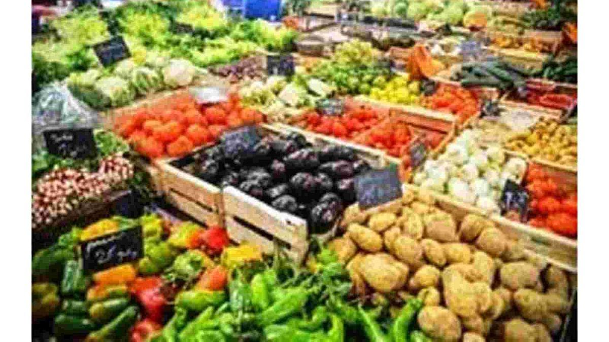 कोरोना की दूसरी लहर से बढ़ी जिंदगी की मुश्किलें, रसोई का बजट बिगड़ा लेकिन सब्जियों के दाम में थोड़ी राहत