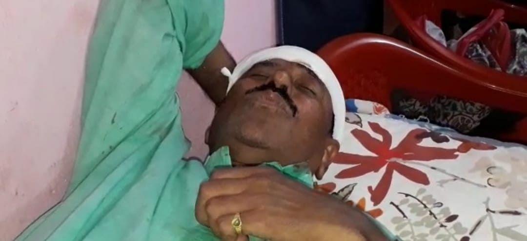 WB Election 2021 : अब ममता सरकार के मंत्री पर हमला, सिर में आयी चोट, उग्र समर्थकों ने किया प्रदर्शन