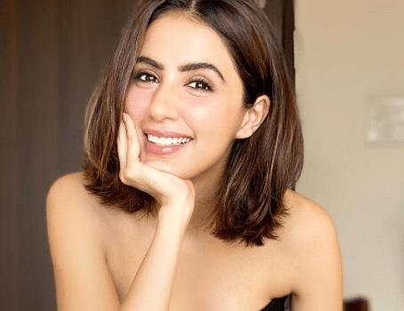 kundali bhagya actress mahira swati kapooor photos
