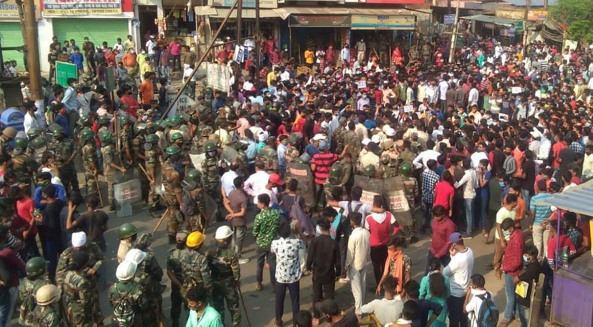 झारखंड के हजारीबाग में आखिर क्यों भड़के छात्र, सड़क पर उतरकर क्यों किया NH-100 को घंटों जाम, पढ़िए क्या है पूरा मामला