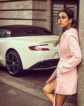 निया शर्मा से लेकर रश्मि देसाई तक, जानें कौन टीवी सेलेब है किस कार का शौकीन?
