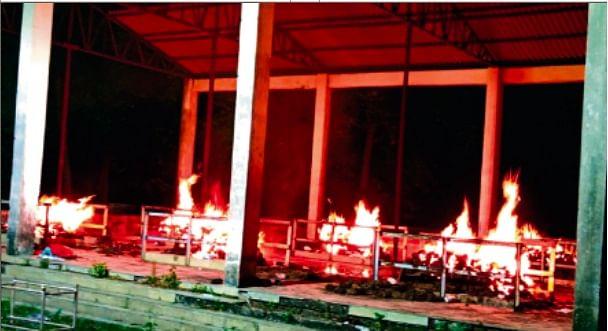 Coronavirus in Bihar : शव जलाने के लिए खाली नहीं मिल रहा चिता. एक की आग ठंडी भी नहीं होती कि आ जाता दूसरा शव