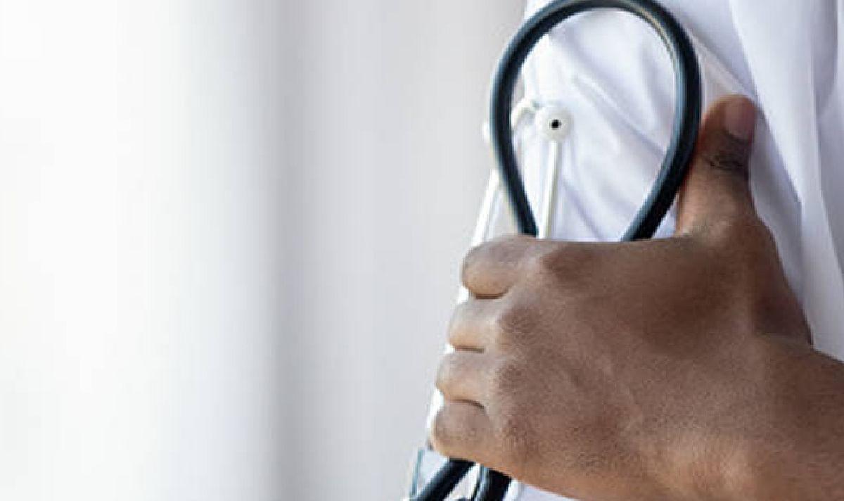 डॉक्टर ने दी सलाह, देश में बढ़ रहा है कोरोना संक्रमण का खतरा लगाना चाहिए लॉकडाउन