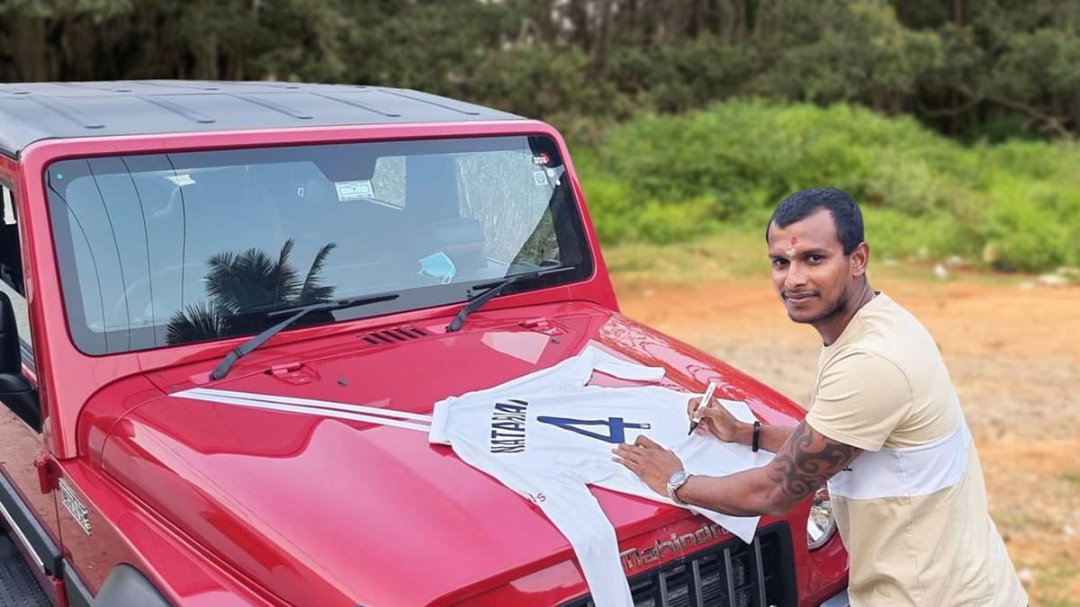 IND vs AUS: आनंद महिंद्रा ने पूरा किया वादा, टी नटराजन को गिफ्ट में मिली चमचमाती 'महिंद्रा थार'