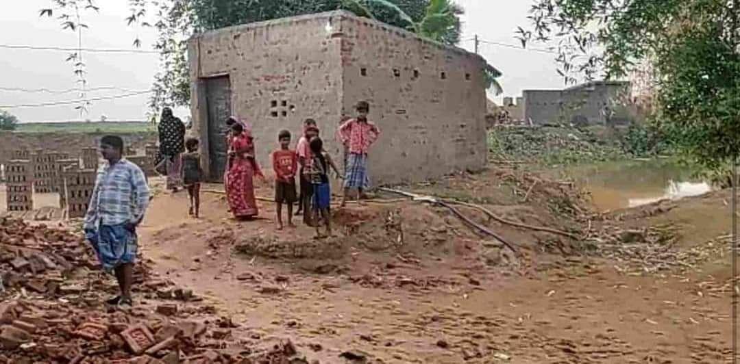 WB Chunav 2021: चुनाव से पहले बीरभूम में अवैध रूप से बम बनाने के दौरान विस्फोट, एक घायल