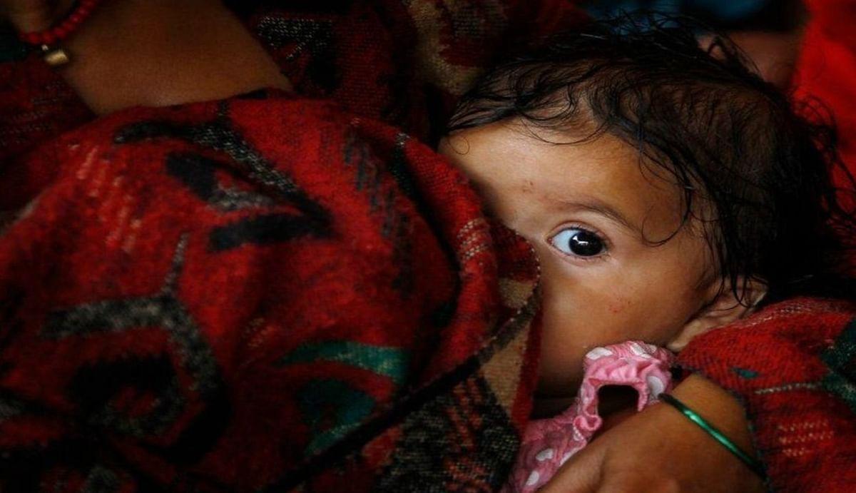 Exclusive : नवजात शिशु 42 दिन से अधिक का है, तो दूध पिलाने वाली महिलाएं भी लगवा सकती हैं वैक्सीन, जानें क्या कहते हैं एक्सपर्ट