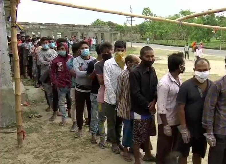 छठे चरण की वोटिंग के बीच कांचरापाड़ा में बीजेपी कार्यकर्ता का सिर फोड़ा, TMC पर आरोप