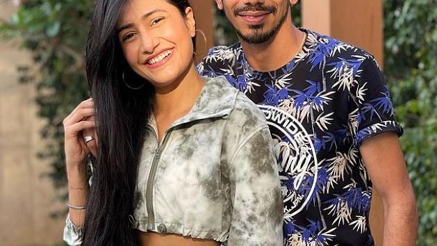 IPL 2021 : बहुत खूबसूरत हैं युजवेंद्र चहल की पत्नी धनश्री, पति के पहले विकेट पर नहीं रोक पायीं अपने आंसू