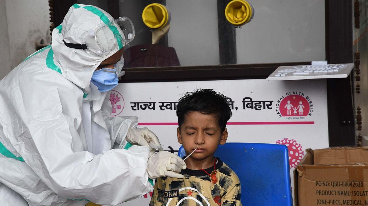 बंगाल में कोरोना का कोहराम, 24 घंटे में 17,207 संक्रमण के केस, 77 COVID-19 मरीजों की मौत