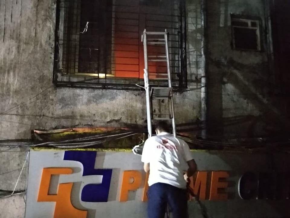महाराष्ट्र में प्राइवेट हॉस्पिटल में लगी आग, ICU के मरीजों को शिफ्ट करते समय 4 की मौत, रेस्क्यू ऑपरेशन जारी