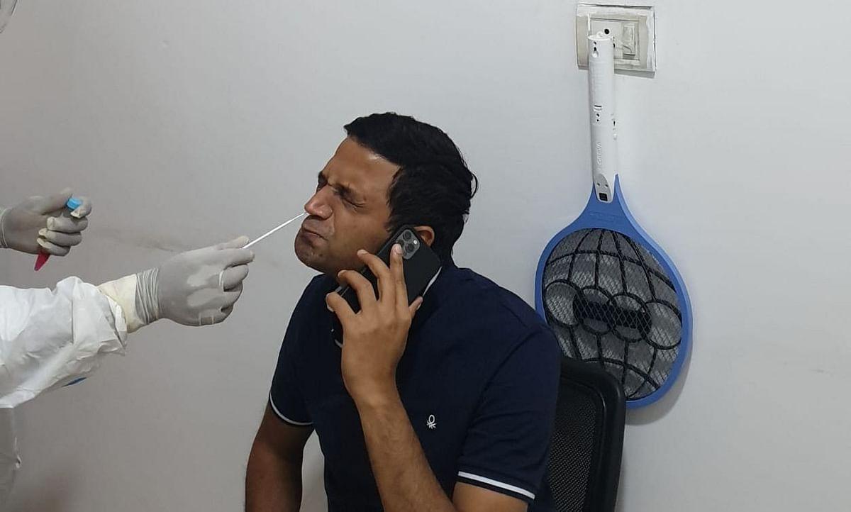Coronavirus In Jharkhand : रांची डीसी के आवासीय कार्यालय के तीन कर्मचारी कोरोना पॉजिटिव, उपायुक्त छवि रंजन ने कराया कोरोना टेस्ट