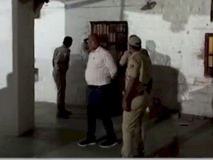 जोधपुर में 'जेल ब्रेक कांड', महिला गार्ड और सिपाहियों की आंखों में मिर्ची डाल 16 कैदी फरार