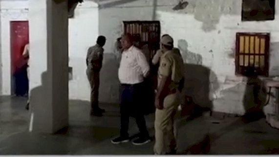 Rajasthan News: जोधपुर में 'जेल ब्रेक कांड', महिला गार्ड और सिपाहियों की आंखों में मिर्ची डाल 16 कैदी फरार