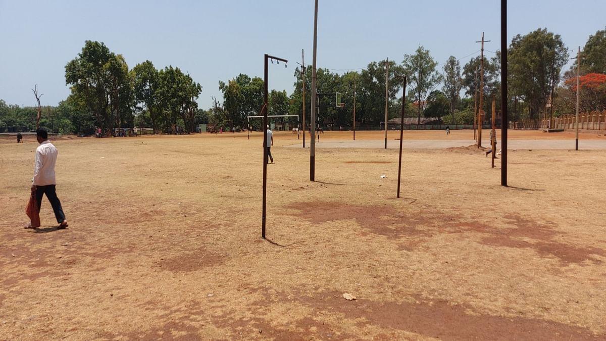 Jharkhand news : बाजार नहीं लगने से खाली पड़ा मेघाहातुबुरु हाट मैदान.