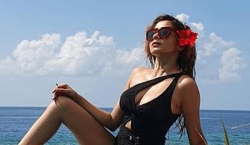 Uttaran fame Tina Datta 7 photos in swimsuit
