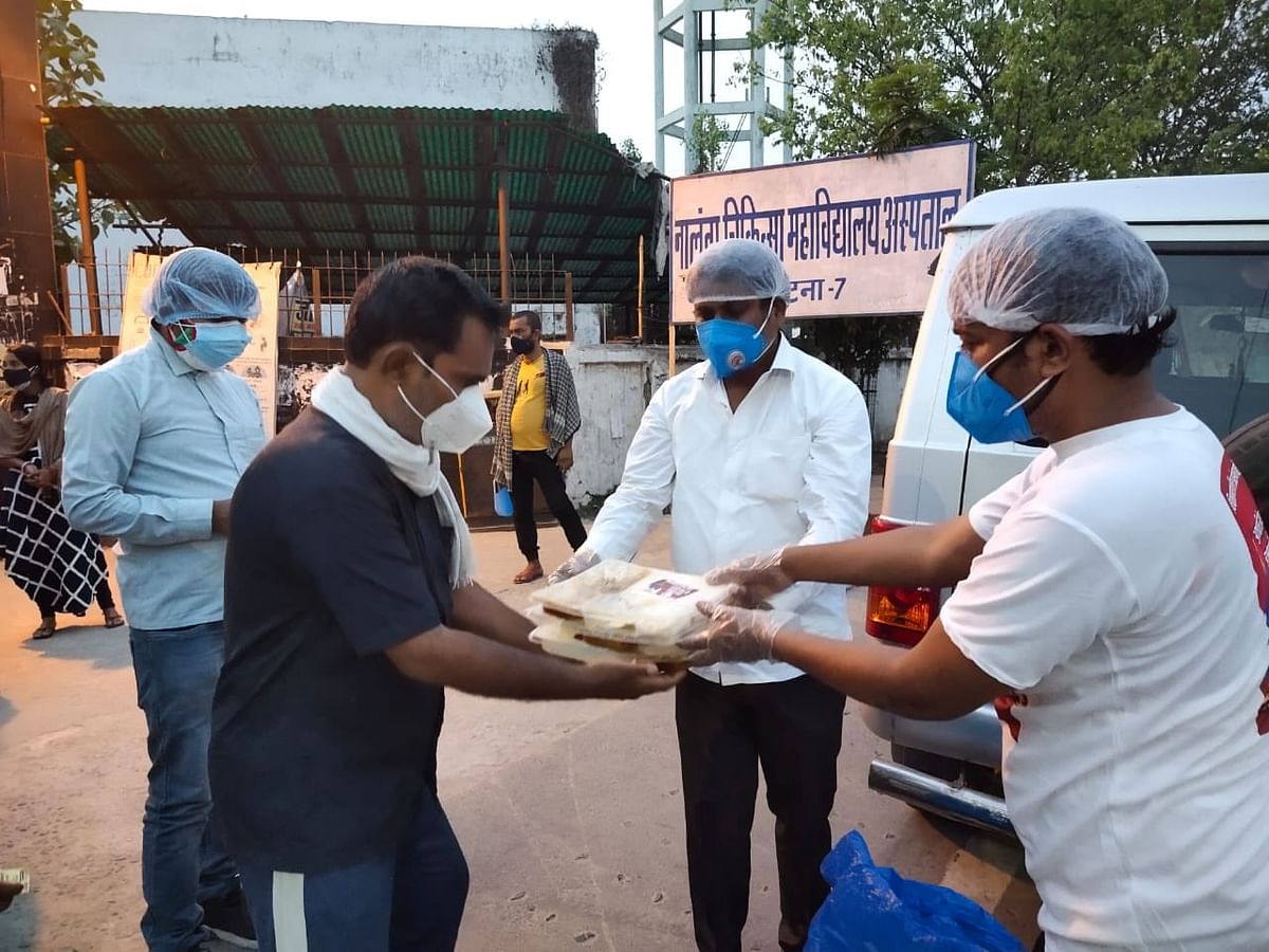 कोविड पीड़ित और परिजनों के भोजन के लिए वीआइपी अध्यक्ष मुकेश सहनी ने जारी किया हेल्प लाइन नंबर