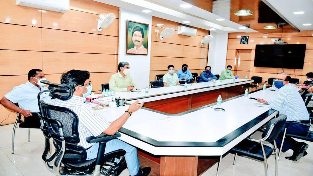 Jharkhand Lockdown : झारखंड में मिनी लॉकडाउन 6 मई तक बढ़ा, हेमंत सरकार ने दुकान खोलने के समय में किया बदलाव