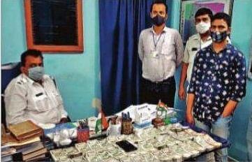 मोचीपाड़ा के बाद अब गिरीश पार्क से 19.95 लाख के बेहिसाबी रुपये जब्त, एक अरेस्ट