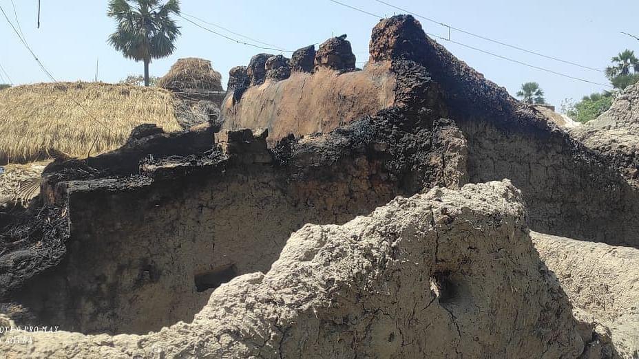 Bihar News: बिहार के बांका जिले के एक घर में लगी आग, अंदर सो रहे तीन मासूम बच्चे जिंदा जले