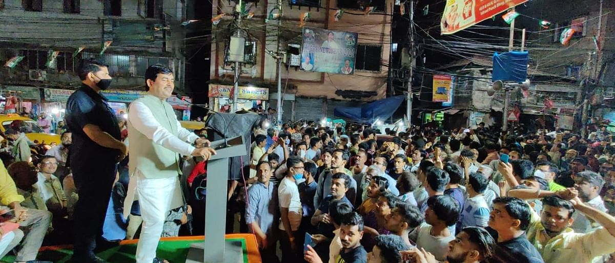 Bengal Chunav 2021: हावड़ा में बीजेपी नेता शाहनवाज हुसैन पर पथराव! बोले शाहनवाज 'हम सभी पत्थर को फूल में बदल देंगे'