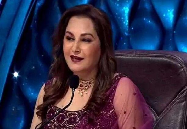 Indian Idol 12 : जया प्रदा ने 37 साल बाद खोला राज, बताया क्यों 'दे दे प्यार दे' गाने में अमिताभ बच्चन ने जेब के अंदर रखा था हाथ