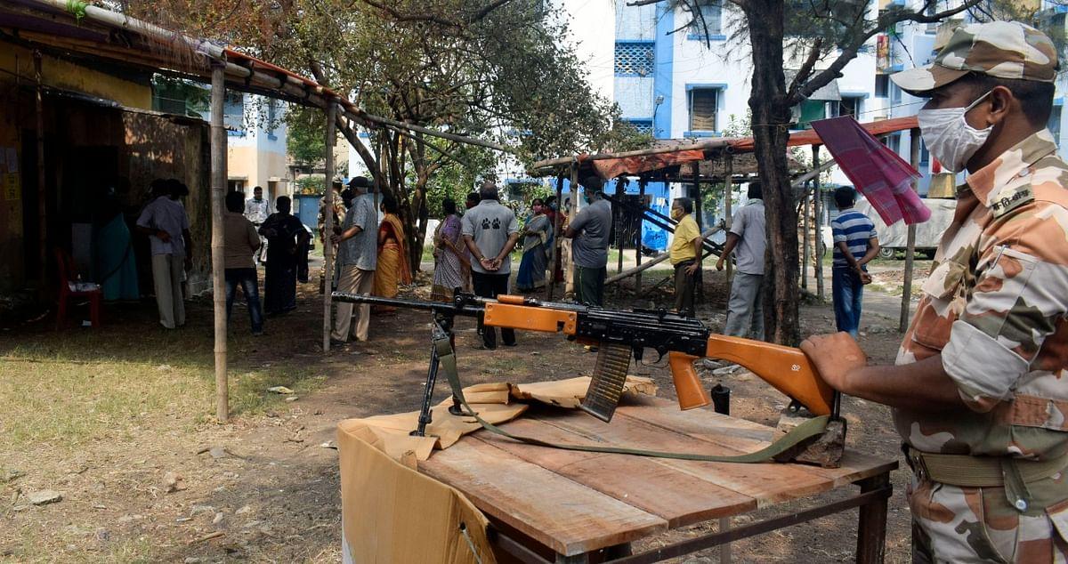 बंगाल चुनाव का चौथा चरण: कूचबिहार में 5 लोगों की मौत, भाजपा सांसद पर हमला के साथ 44 सीटों पर संपन्न हुआ मतदान