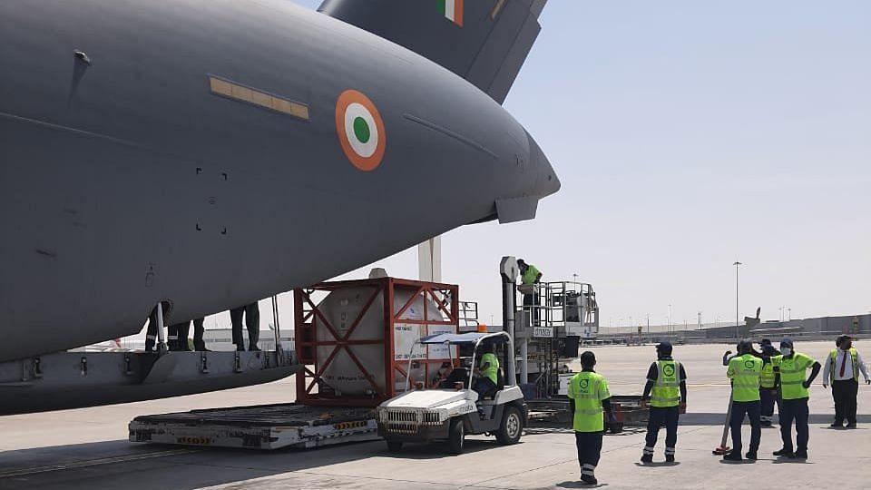 UAE से 7 क्रायोजेनिक ऑक्सीजन टैंकर लेकर आज शाम भारत पहुंचेगा वायुसेना का विमान A C17