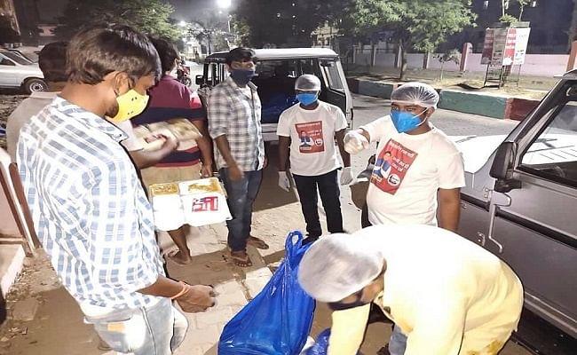 पटना के अस्पतालों में कोरोना मरीजों को मछली-चावल खिला रहे हैं मंत्री मुकेश सहनी, जानें क्यों लिया यह फैसला