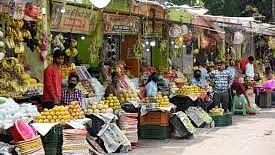 नवरात्र को लेकर फलों की बढ़ी डिमांड तो कीमतों में भारी उछाल, सेब का दाम सुनकर आ जाएगा पसीना