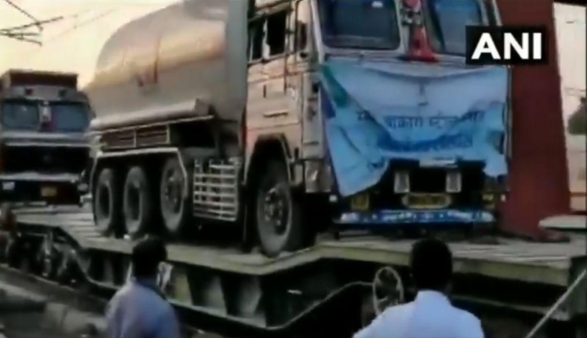 बोकारो-जमशेदपुर से दूसरे राज्यों में भेजी जा रही ऑक्सीजन, रांची में दर-दर भटक रहे हैं लोग