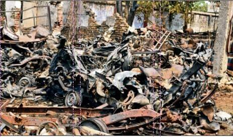 गैस गोदाम में आग से 300 से ज्यादा सिलेंडर फटे, तेज आवाज से थर्रा उठा बेतिया