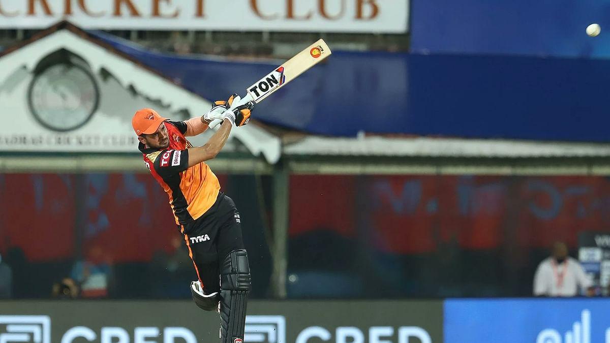 IPL 2021, SRH vs RCB : तुमसे न हो पाएगा पांडे जी- हैदराबाद की हार के बाद फैंस से लेकर दिग्गज क्रिकेटर्स तक मनीष पांडे पर निकाली भड़ास