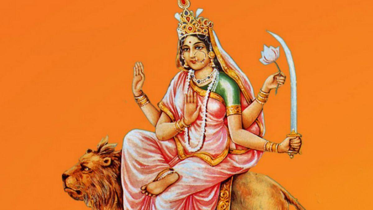 देवी पार्वती का हिंसक रूप है Maa Katyayani, राक्षस महिषासुर के आतंक को समाप्त करने के लिए लिया था ये रूप, जानें इनकी पूजा का महत्व