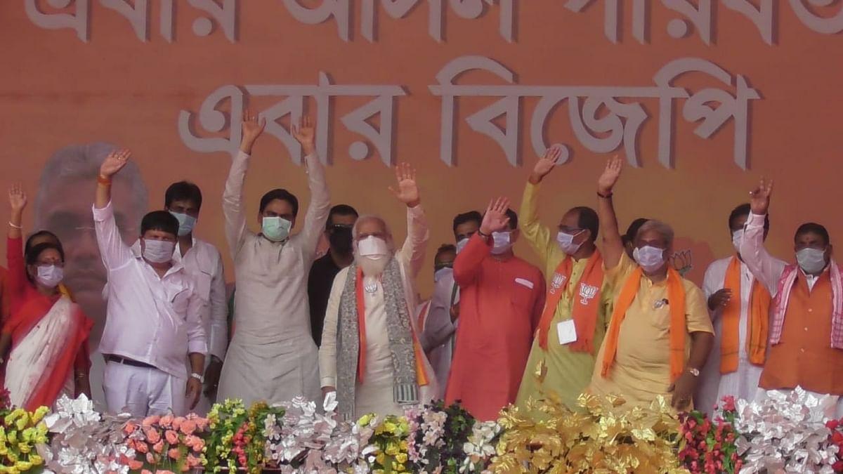 पीएम मोदी की रैली की दो तस्वीरें, दो कहानी