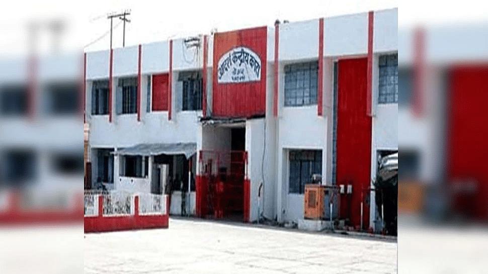 Bihar News: जिस शख्स के अपहरण के आरोप में जेल में बंद हैं दो दोस्त, वह पटना के होटल में काम करते हुए मिला