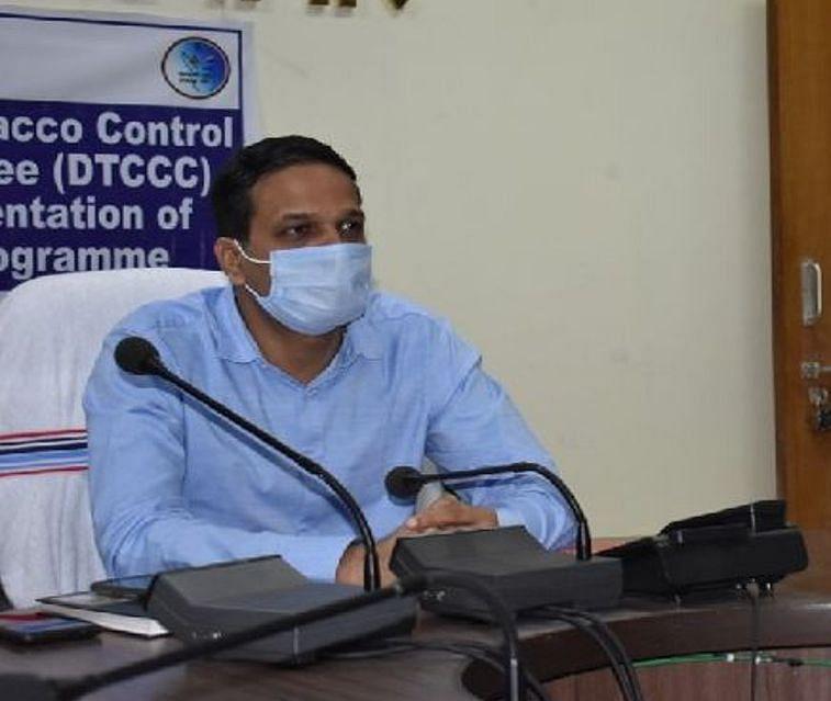 Coronavirus In Ranchi : कोरोना की जंग में लापरवाही के खिलाफ रांची जिला प्रशासन सख्त, डॉक्टर एवं कम्युनिटी हेल्थ ऑफिसर के खिलाफ FIR दर्ज