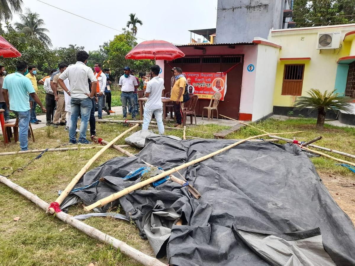 बैरकपुर में TMC और BJP समर्थकों में मारपीट,कई घायल, आमडांगा में बूथ के निकट बम बरामद