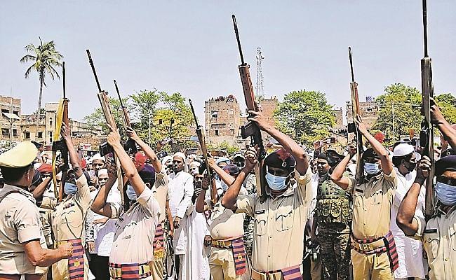 आखिरी सलामी के दौरान फिर फेल हुए हथियार, सोशल मीडिया पर बिहार पुलिस की हुई किरकिरी, जानें पूरा मामला