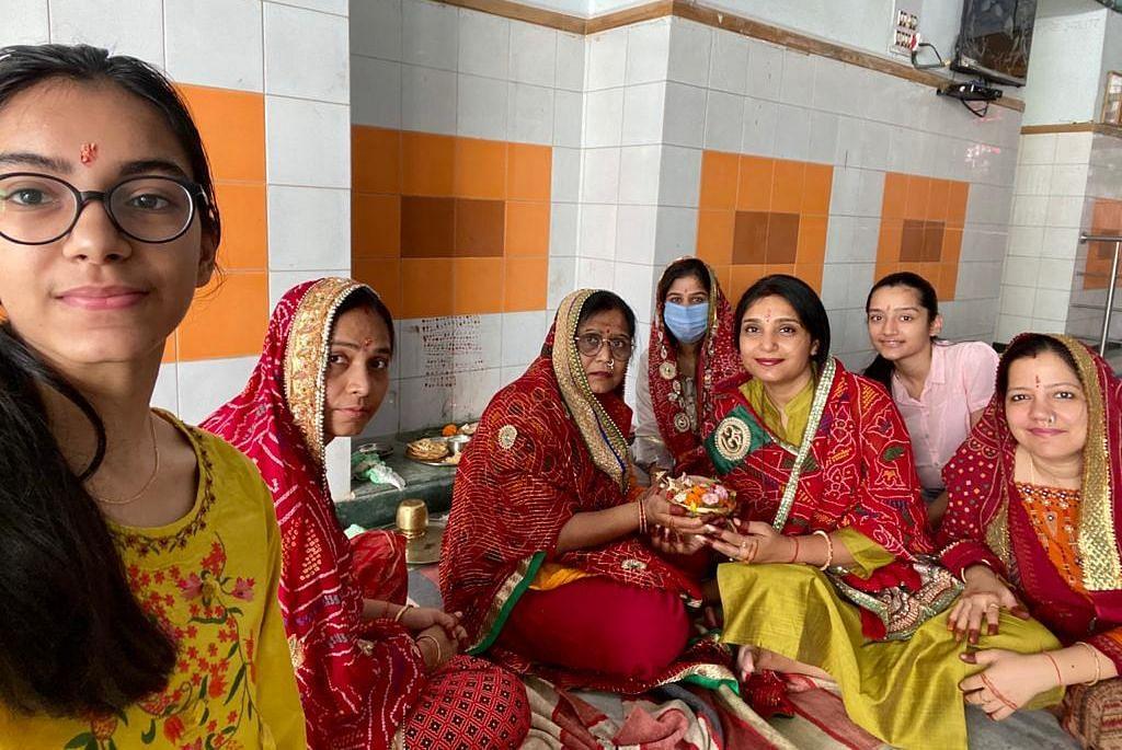 Gangor Puja 2021: सुहागिन महिलाओं और कुंवारी कन्याओं ने की गणगौर पूजा, पढ़िए क्या है पौराणिक मान्यताएं