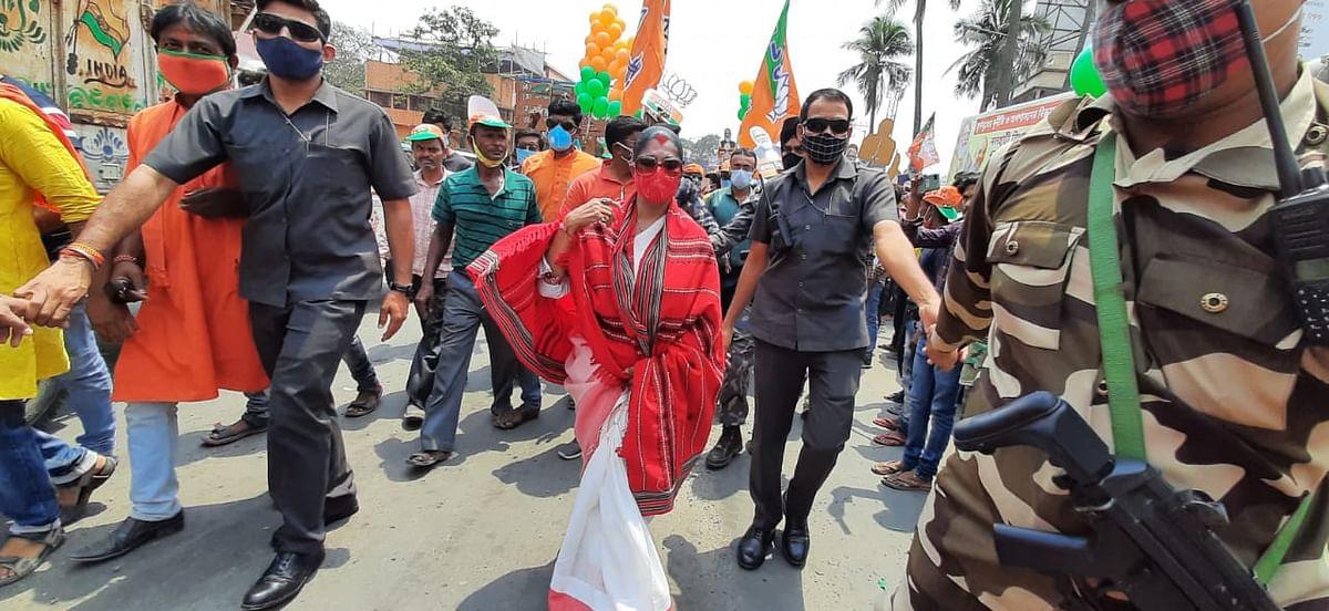 बीरभूम के रोड शो में भारती घोष का TMC पर हमला, कहा-बंगाल में तृणमूल सरकार का अंत समय आ गया है