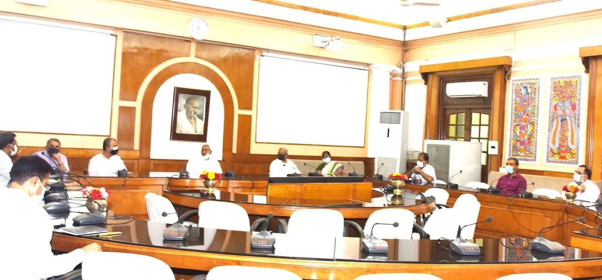 Coronavirus in Bihar : बिगड़े हालात पर नीतीश कुमार ने की हाइ लेवल मीटिंग, सीएम बोले- जहां ज्यादा केस, वहां बरतें खास सतर्कता