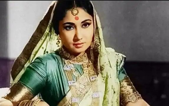 bollywood flashback kamal amrohi saw picture of meena kumari and dharmendra  he gave divorce to actress bud | Bollywood Flashback : मीना कुमारी और  धर्मेंद्र की इस तसवीर को देख कमाल अमरोही