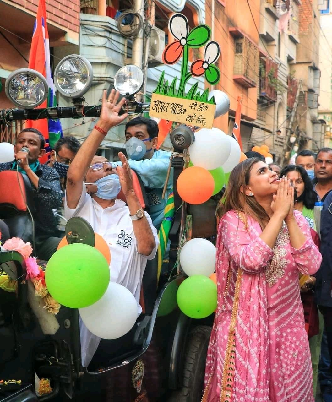 वोटों की गिनती के बीच कोलकाता के इस काउंटिंग सेंटर के भीतर गूंजा 'जय बांग्ला' और 'Khela Hobe' का नारा