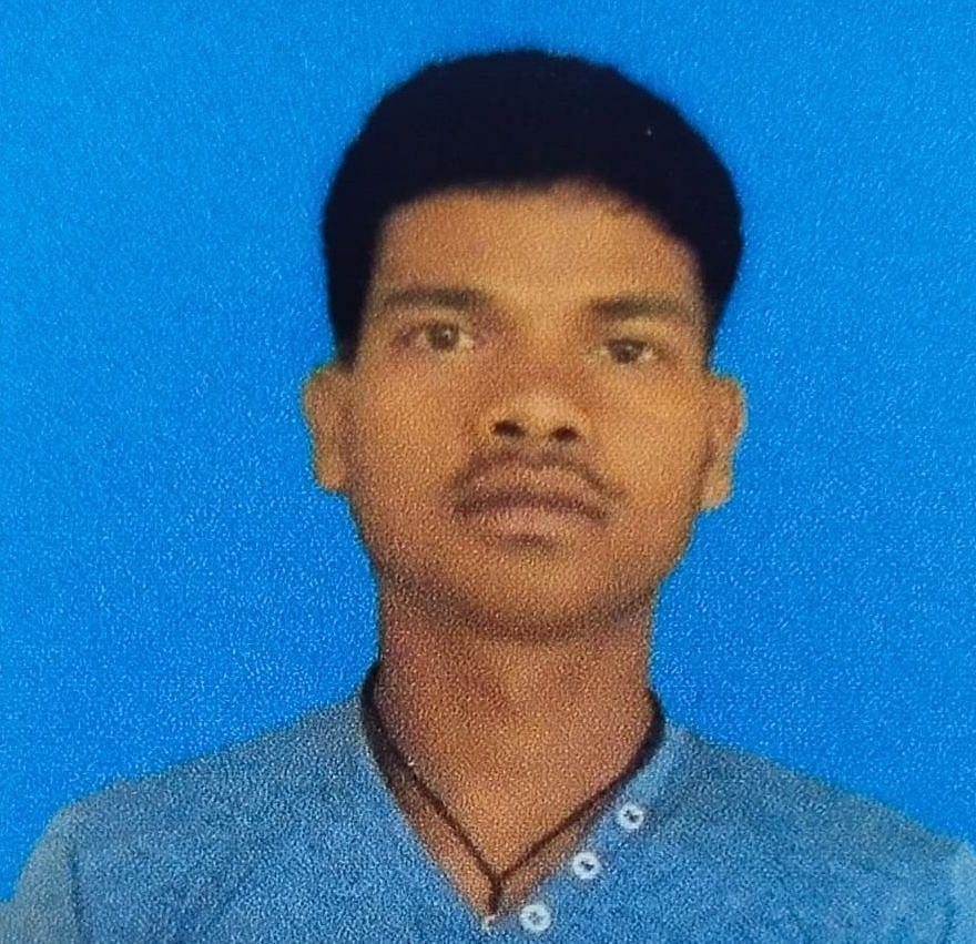 बंगाल में ईंट भट्ठे पर कमाने गये झारखंड के लोहरदगा के युवक की इलाज के अभाव में मौत, गरीब परिजन शव नहीं ला सके गांव, मजदूर दोस्तों ने की अंत्येष्टि