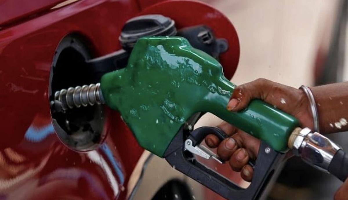 Petrol-Diesel Price : पेट्रोल-डीजल की कीमतों ने आज फिर पकड़ी रफ्तार, एमपी-राजस्थान में 100 के पार, जानें अपने शहर का भाव...
